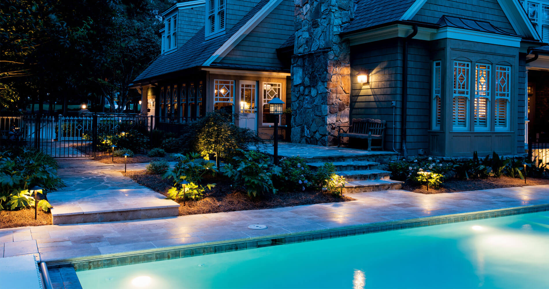 led landscape lighting around swimming pool patio